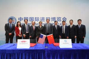 DuPont-Leaders-Zhangjiagang-Government-OfficialsDeal-Signing-Ceremony-Shanghai-CIIE-2